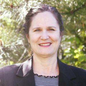Kelly Saxberg Headshot